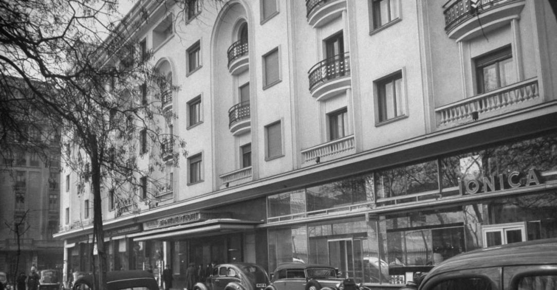 Athne-Palace-1940