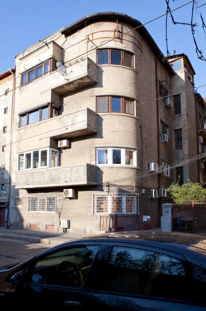 Vedere dinspre imobilul de la nr. 5b. Sursa foto: Crisanta Măciuceanu