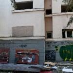 gunoaie şi fostele ferestre fără tocuri