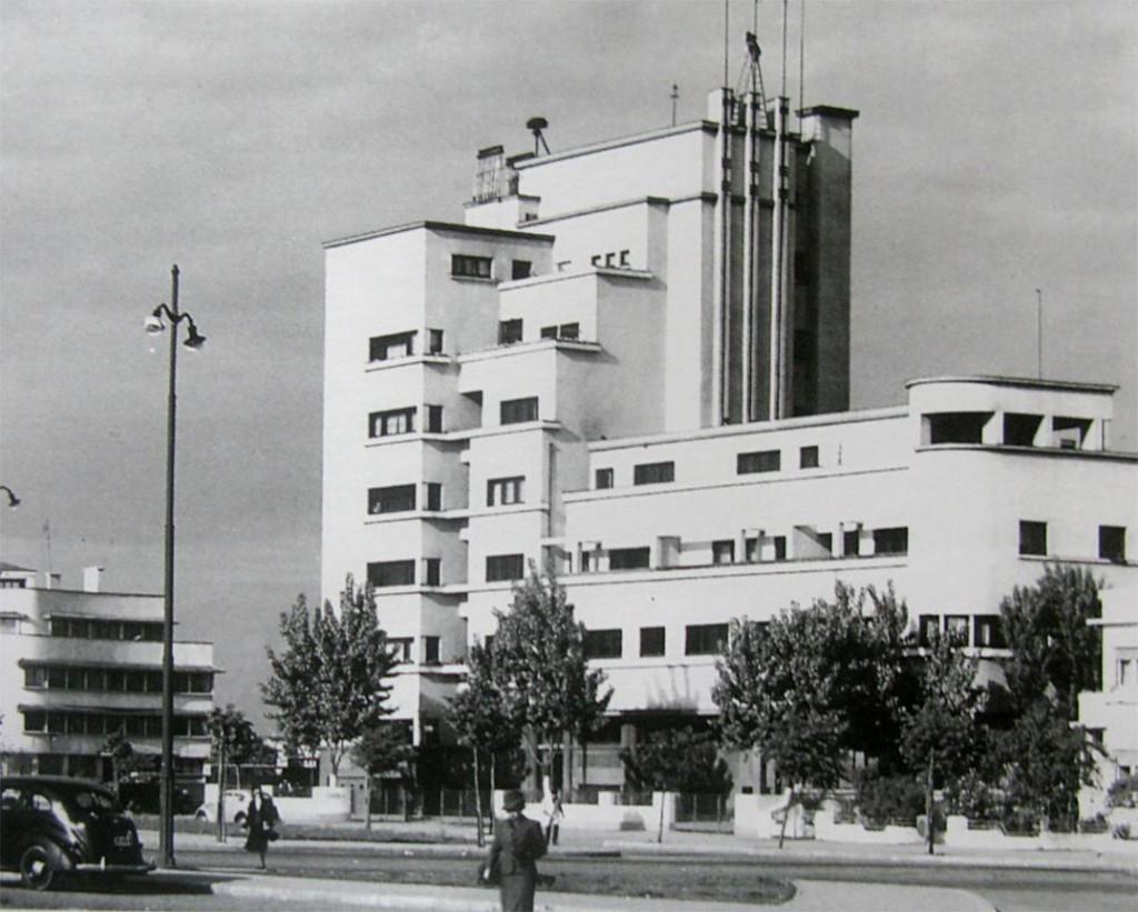 Imobilul Bazaltin, Piața Charles de Gaulle nr.2