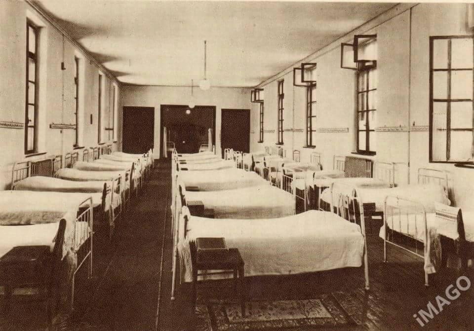 scoala centrala dormitor
