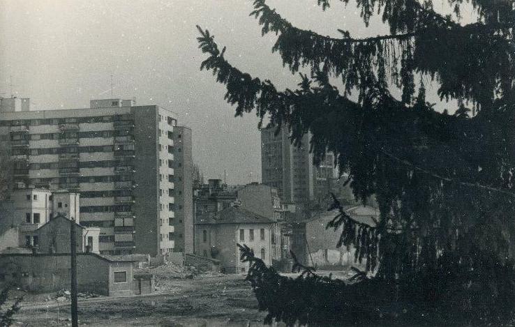 2.APRILIE 1982 4